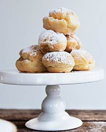French profiterole baking